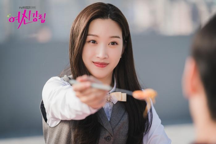 Moon Ga Young là linh hồn diễn xuất của phim cho đến thời điểm hiện tại