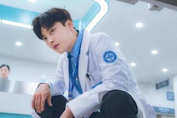 Bác sĩ Lee Jun trong phim Chocolate