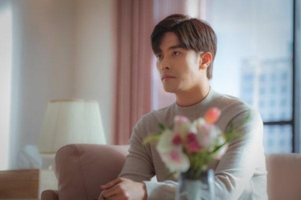 Vai trò của Sa Hyun trong nửa đầu bộ phim vẫn còn mờ nhạt