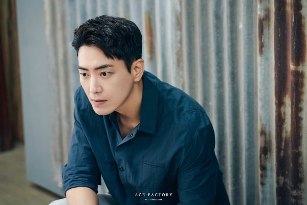 Không biết bao giờ Lee Joon Hyuk mới chọn một nhân vật có tính cách bình thường?