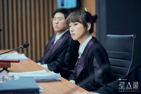 Ryo Hye Young đã 30 nhưng vẫn trẻ trung như sinh viên thực thụ